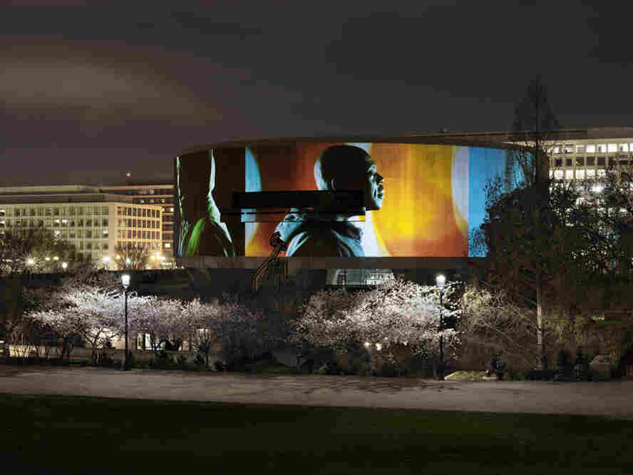 Song 1 in operation at the Hirshhorn Museum in Washington, D.C.