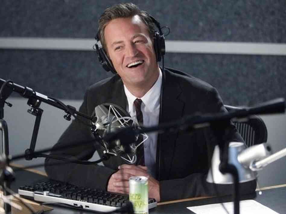 Matthew Perry stars on NBC's fall comedy Go On.