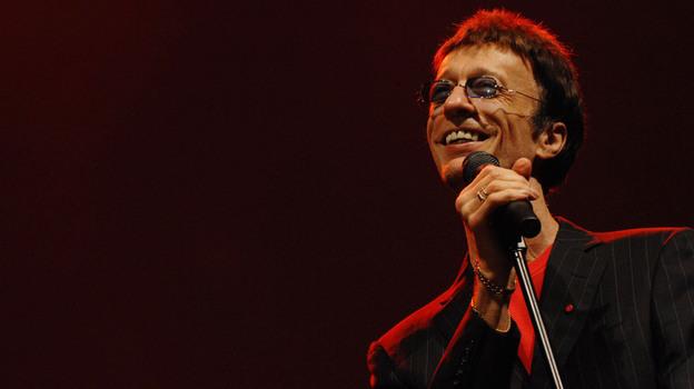 Robin Gibb performs at the Dubai International Jazz Festival in 2008. (AP)