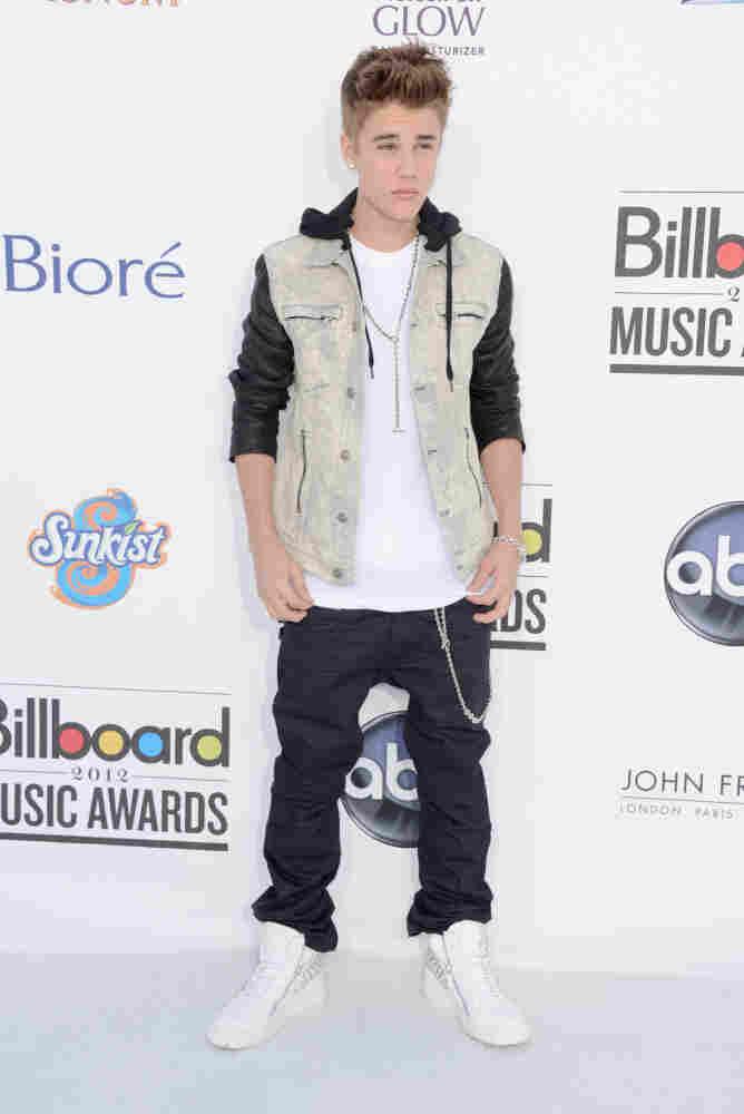 Singer Justin Bieber arrives at the 2012 Billboard Music Awards held Sunday night.
