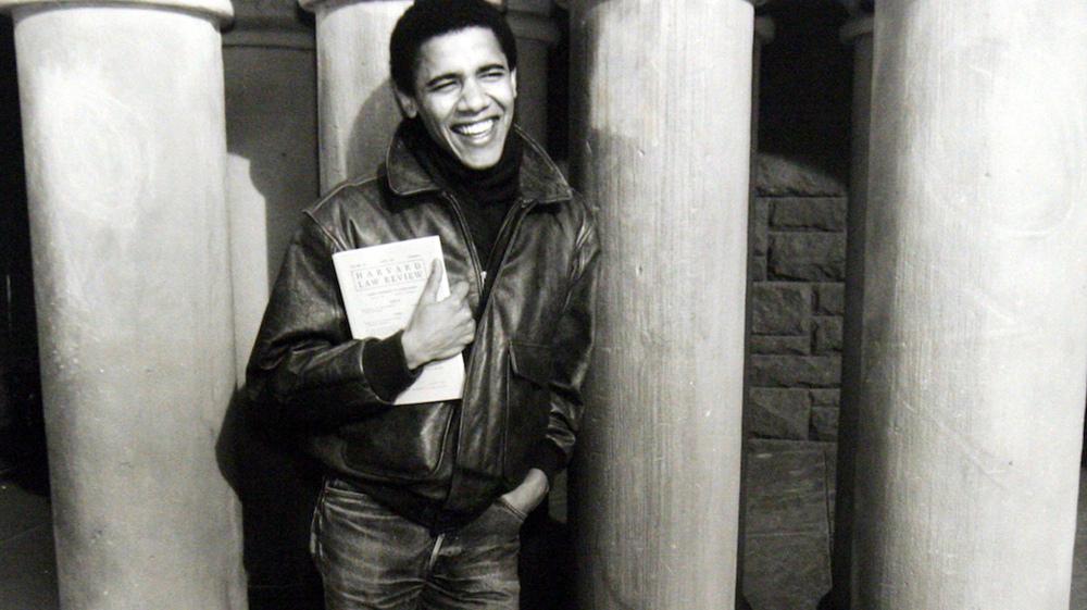نتيجة بحث الصور عن obama when he was a student