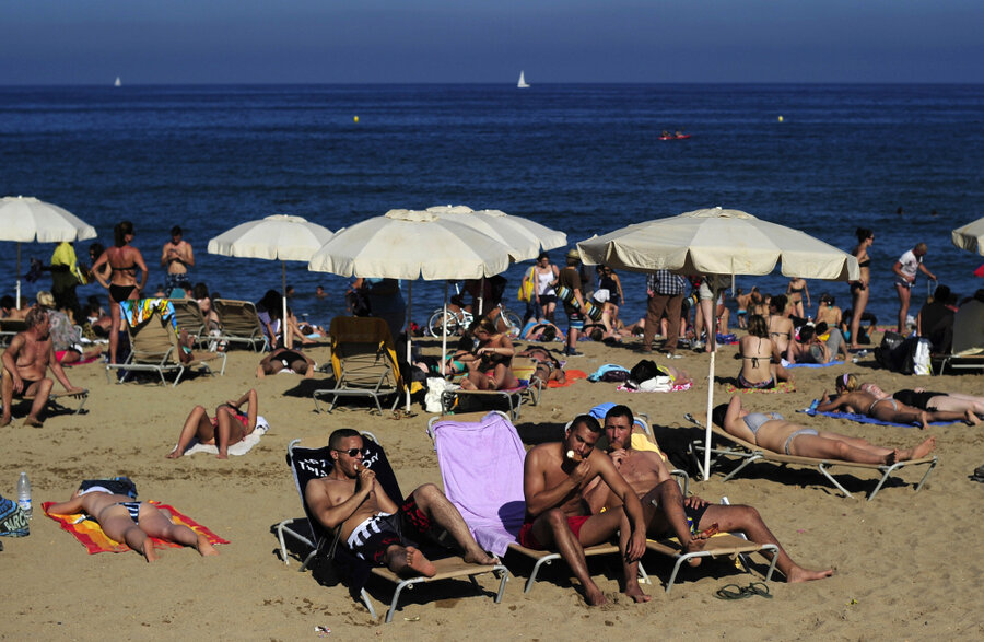 Spains Beloved Four Day Weekends Are At Risk