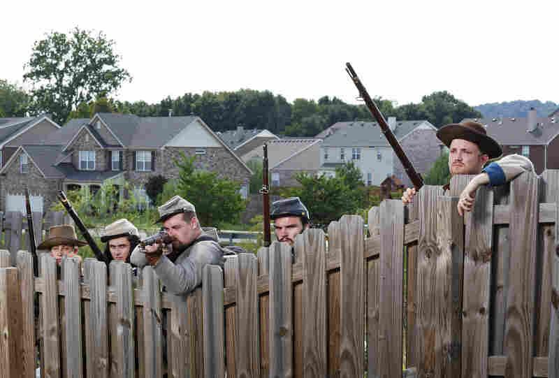 Confederate re-enactors at Spring Hill, Tenn.