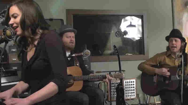 Alialujah Choir: Bowler Hats And Harmonies