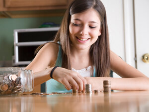 Parents can make a difference in whether their kids become spenders or savers, studies find.