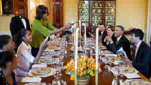 How Do Your Dinnertime Rules Compare With The Obamas'?