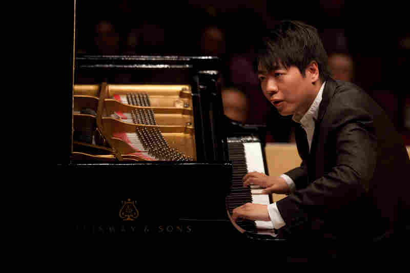 Long famous for his flash and dazzle at the keyboard, pianist Lang Lang gave a surprisingly introspective concert of Bach, Schubert and Chopin at Carnegie Hall on May 29, 2012.