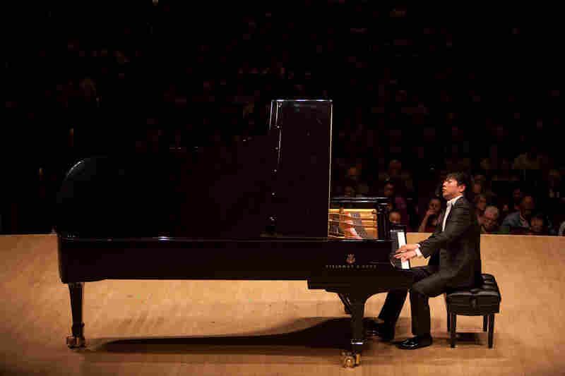 "Lang Lang ended the announced program with Liszt favorites: the Romance S. 169 and ""La Campanella."""