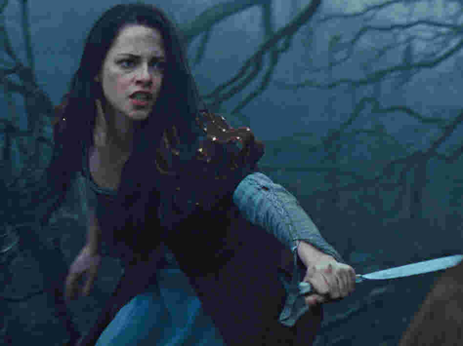 Having fled the tower, Kristen Stewart's Snow White teams up with the queen's huntsman and organizes a resistance.