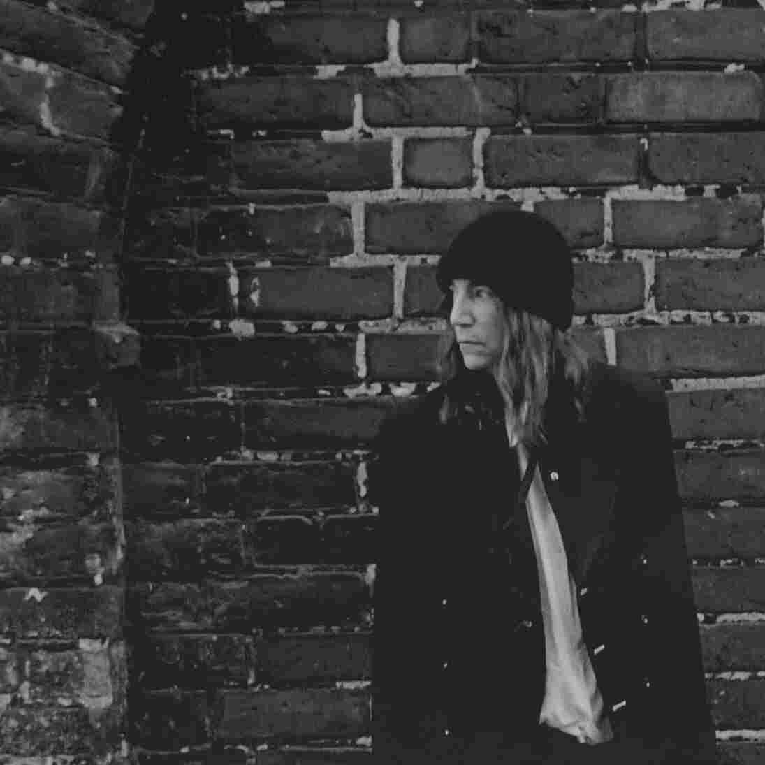 "Patti Smith's new song ""Fuji-san"" was inspired by her reaction to the 2011 Tohoku earthquake."