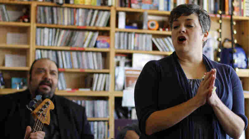 Kelly Hogan: Tiny Desk Concert