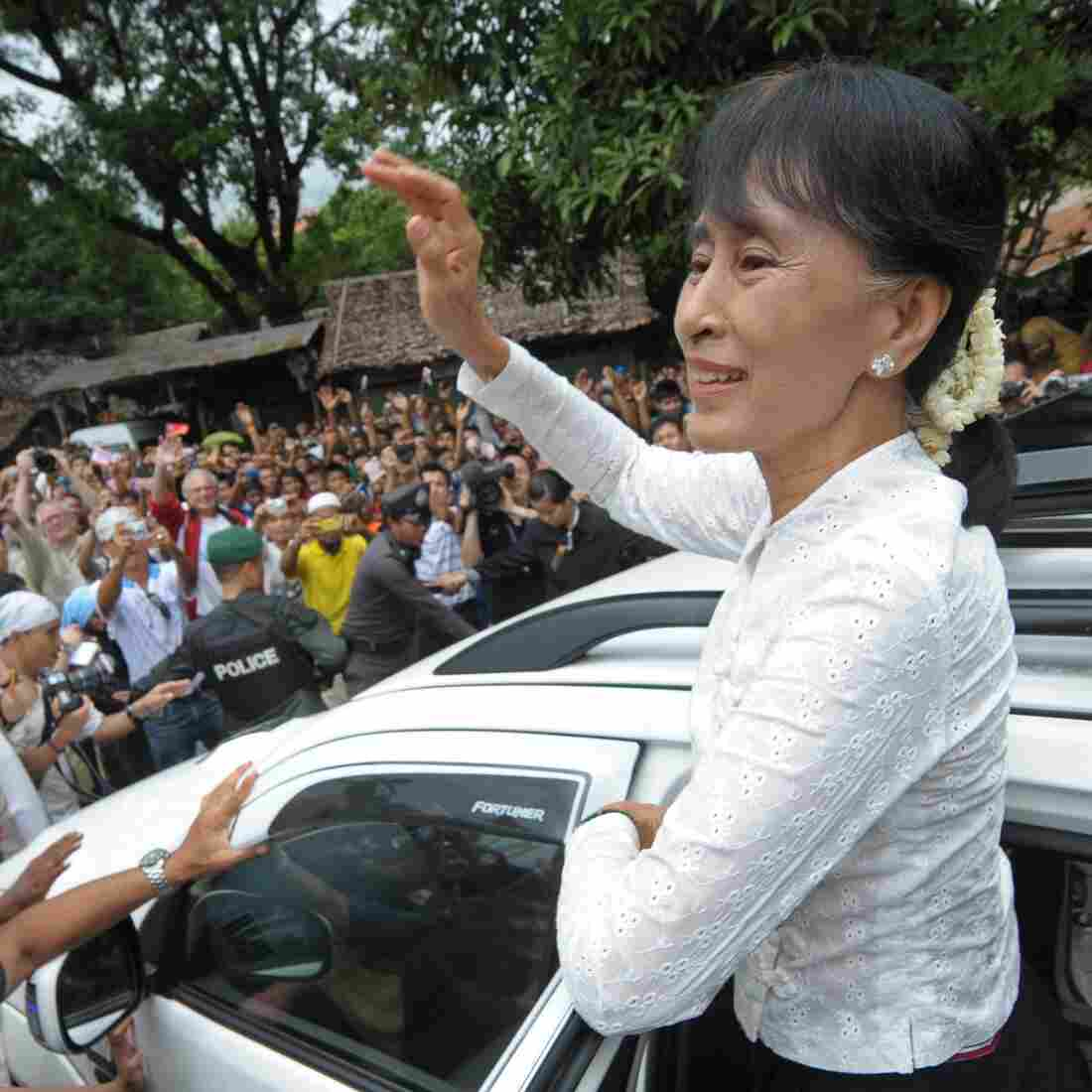 'Like Our Own Mother': Aung San Suu Kyi In Thailand