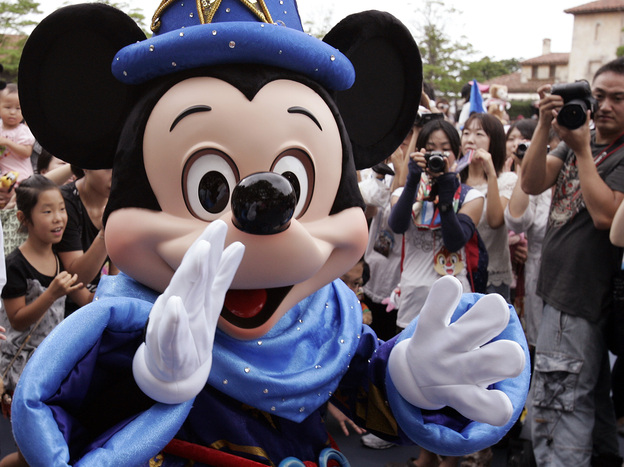 Mickey thinks kids should eat better. (AFP/Getty Images)