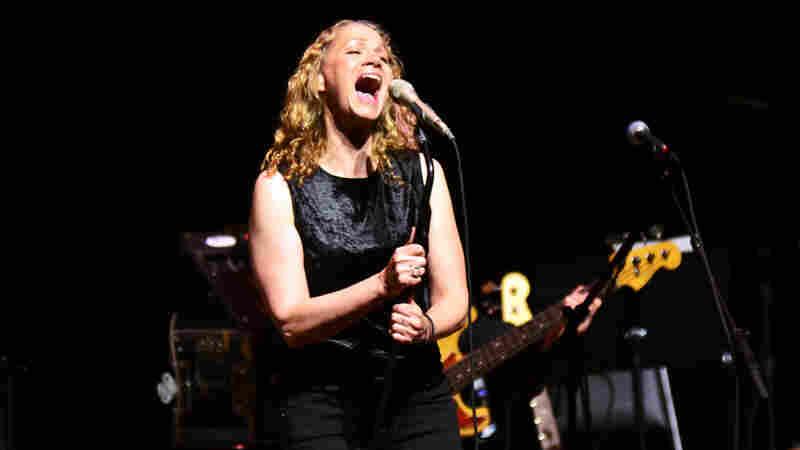 Joan Osborne On Mountain Stage