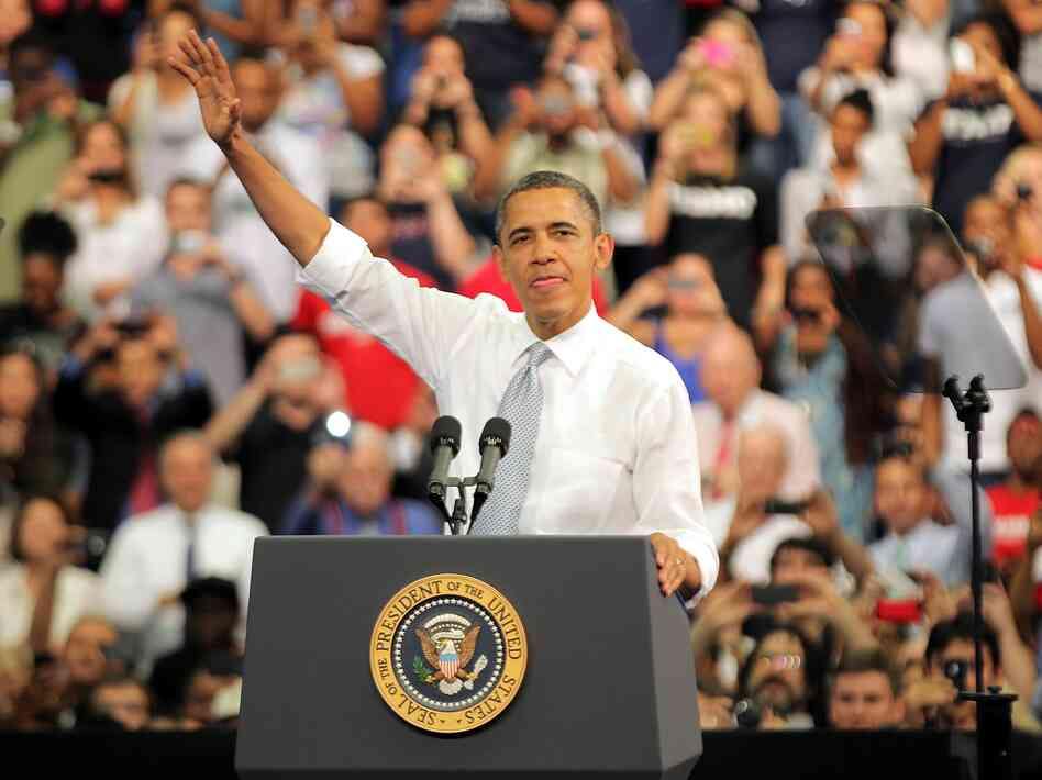 President Barack Obama waves as he speaks on the economy at Florida Atlantic University on April 10, 2012 in Boca Raton, Florida. The President hopes to recapture the enthusiasm of his 2008 campaign.