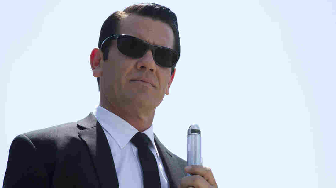 Josh Brolin plays the Apollo 11-era version of Tommy Lee Jones' character in Men In Black 3.