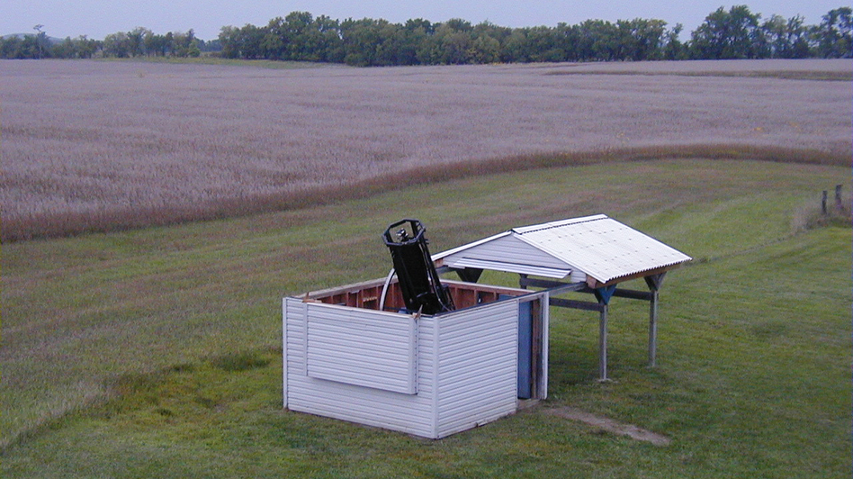 Gary Hug built what he calls the Sandlot Observatory, with its 22-inch reflector telescope, behind his house near Topeka, Kan. (Courtesy of Gary Hug)