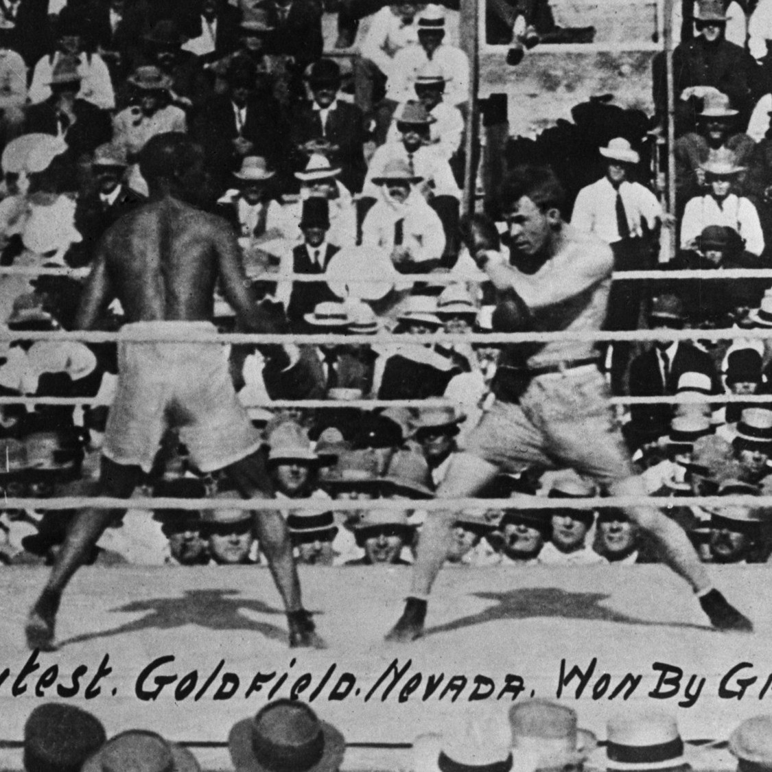 "Joe Gans, left, defends his boxing title in 42 brutal rounds against Oscar ""Battling"" Nelson in Goldfield, Nev., on Sept. 3, 1906."