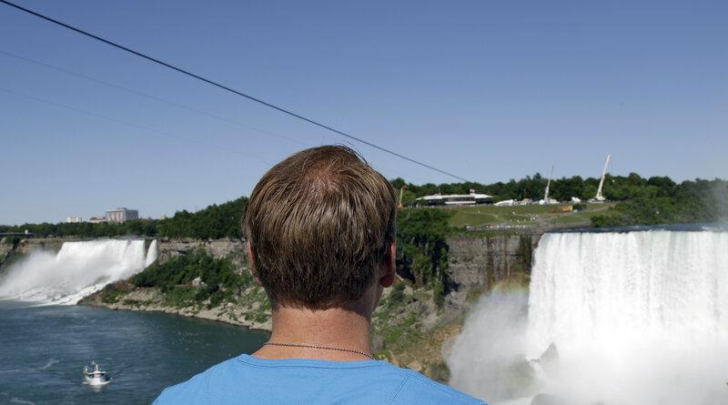 Wallenda Completes High-Wire Walk Over Niagara Falls : The