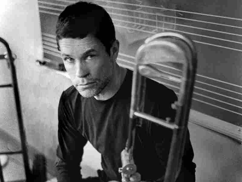 It's tricky making a little band sound big on Sweet Chicago Suite, but trombonist Ray Anderson knows his tricks.