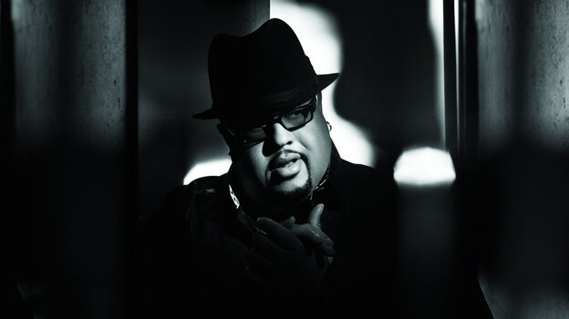 Gospel singer Fred Hammond has cranked out a chart-topping single.