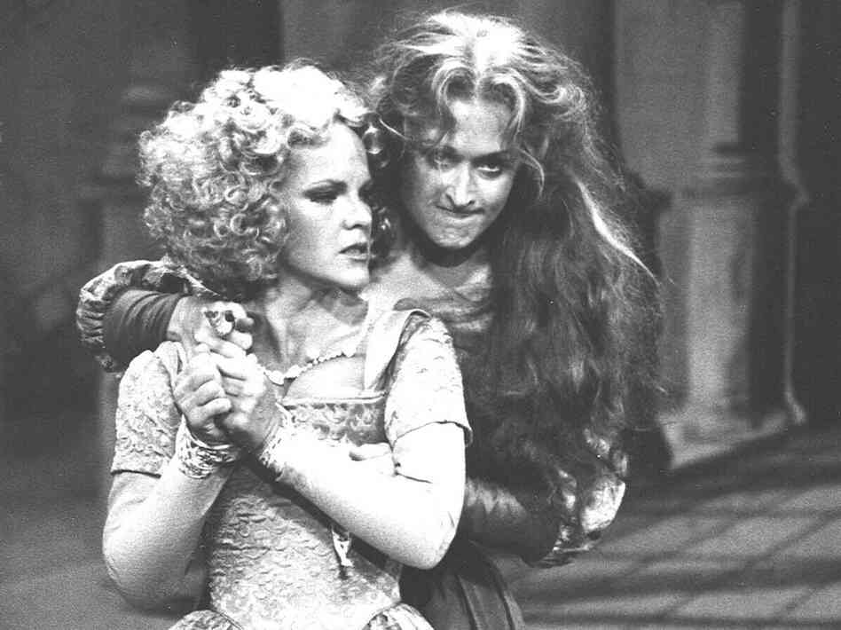 Deborah Rush and Meryl Streep in the 1978 Shakespeare in the Park production of The Taming of the Shrew. Streep did a reading of Romeo and Juliet with Kline on June 18, to mark the Delacorte's 50th anniversary.