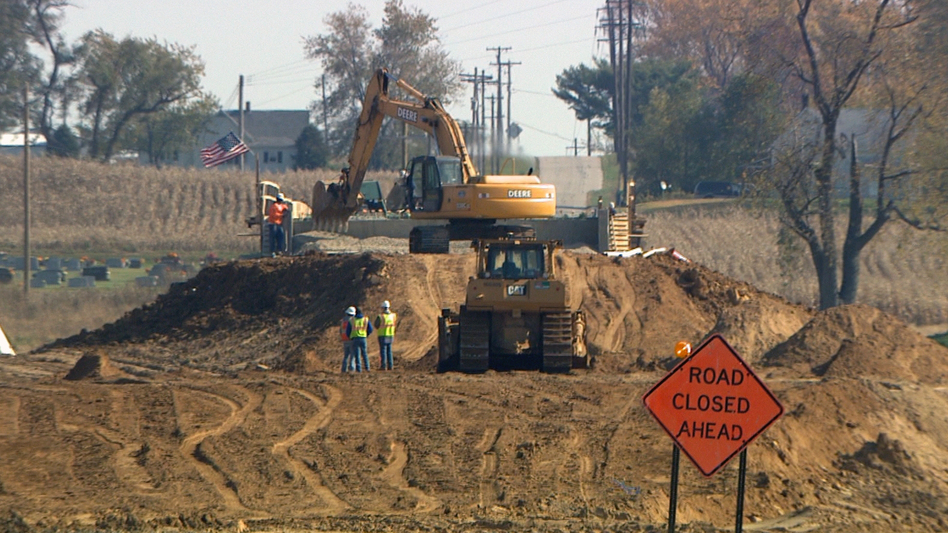 Construction of I-69 is under way across much of southwestern Indiana, but funding to finish the project, which ultimately will stretch between Canada and Mexico, is dwindling. (Wes Akers)