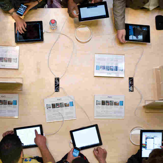 The scene at an Apple store.