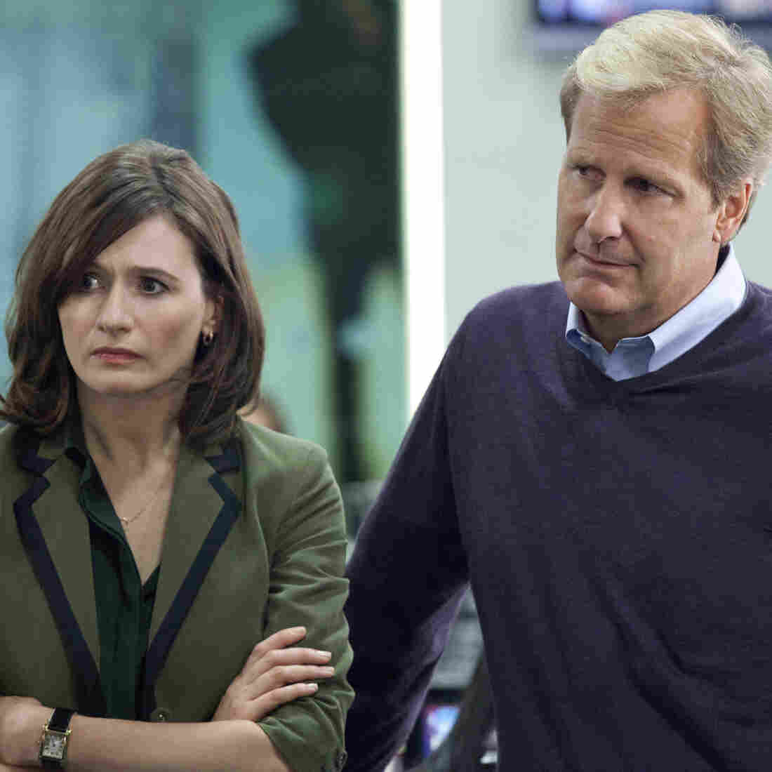 In Aaron Sorkin's new HBO drama, The Newsroom, producer MacKenzie McHale (Emily Mortimer) and anchorman Will McAvoy (Jeff Daniels) tackle real hard-hitting news stories and call out those who don't tell the truth.