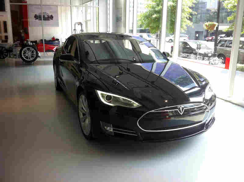 Tesla S Model S Electric Sedan Five Passengers Mpg And No
