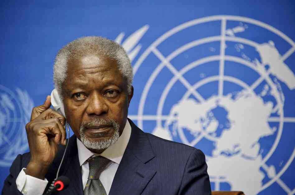 Arab League and UN Special Envoy for Syria, Kofi Annan, listens to journalists' questions d