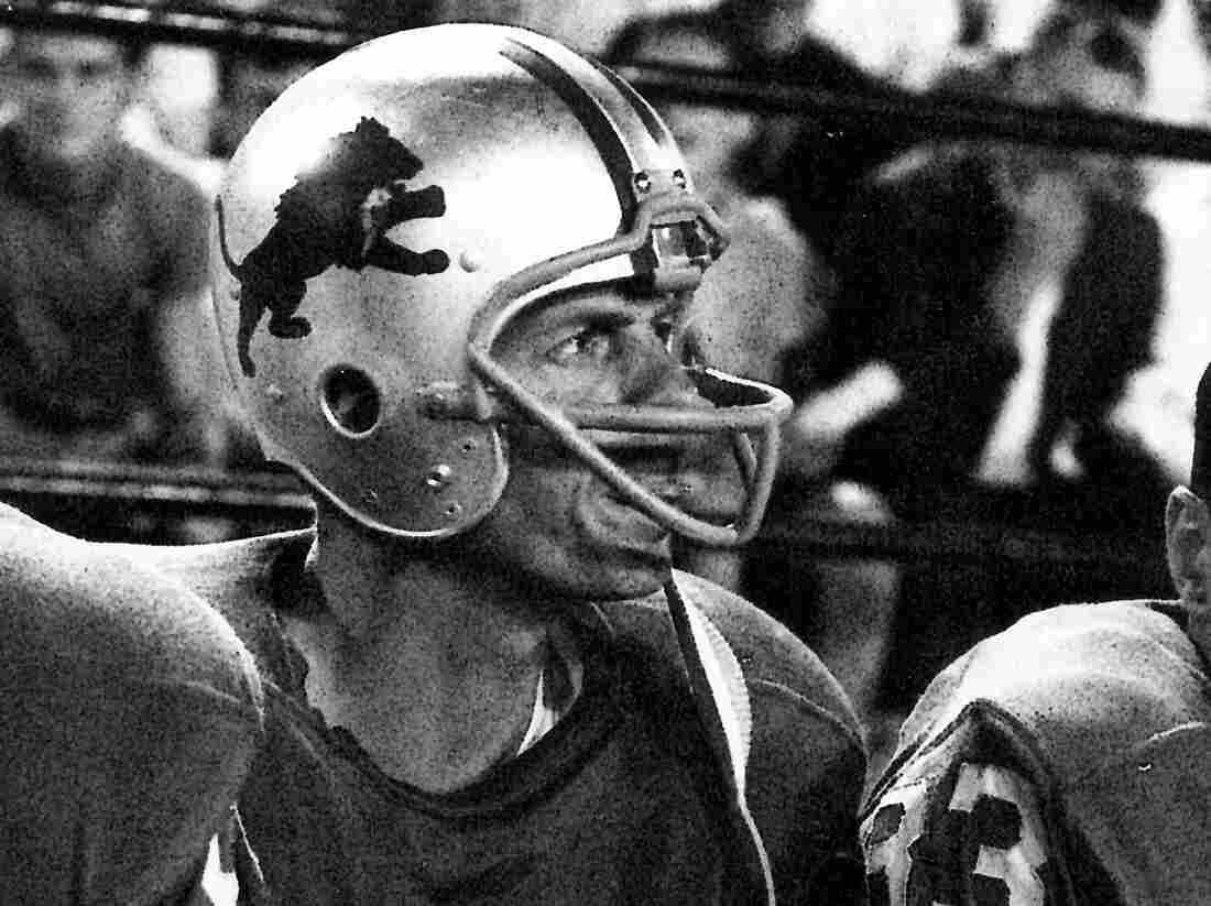 George Plimpton plays with the Detroit Lions in Plimpton! Starring George Plimpton As Himself.