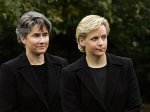 Mary Cheney (right), the openly gay daughter of former Vice President Dick Cheney, stands with Heather Poe during a memorial observance at the White House in 2006. Cheney married Poe in Washington, D.C., on Friday.