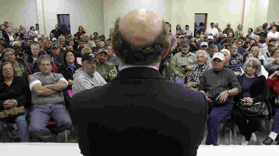 Kenneth Feinberg speaks at a January 2011 town hall meeting for claimants of the BP oil spill compensation fund in Grand Isle, La.
