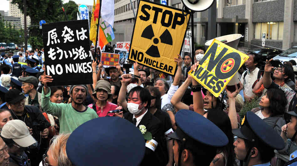 Anti-nuclear activists in front of the prime minister's official residence in Tokyo, June 22. Some 20,000 demonstrators protested against the Japanese government's decis