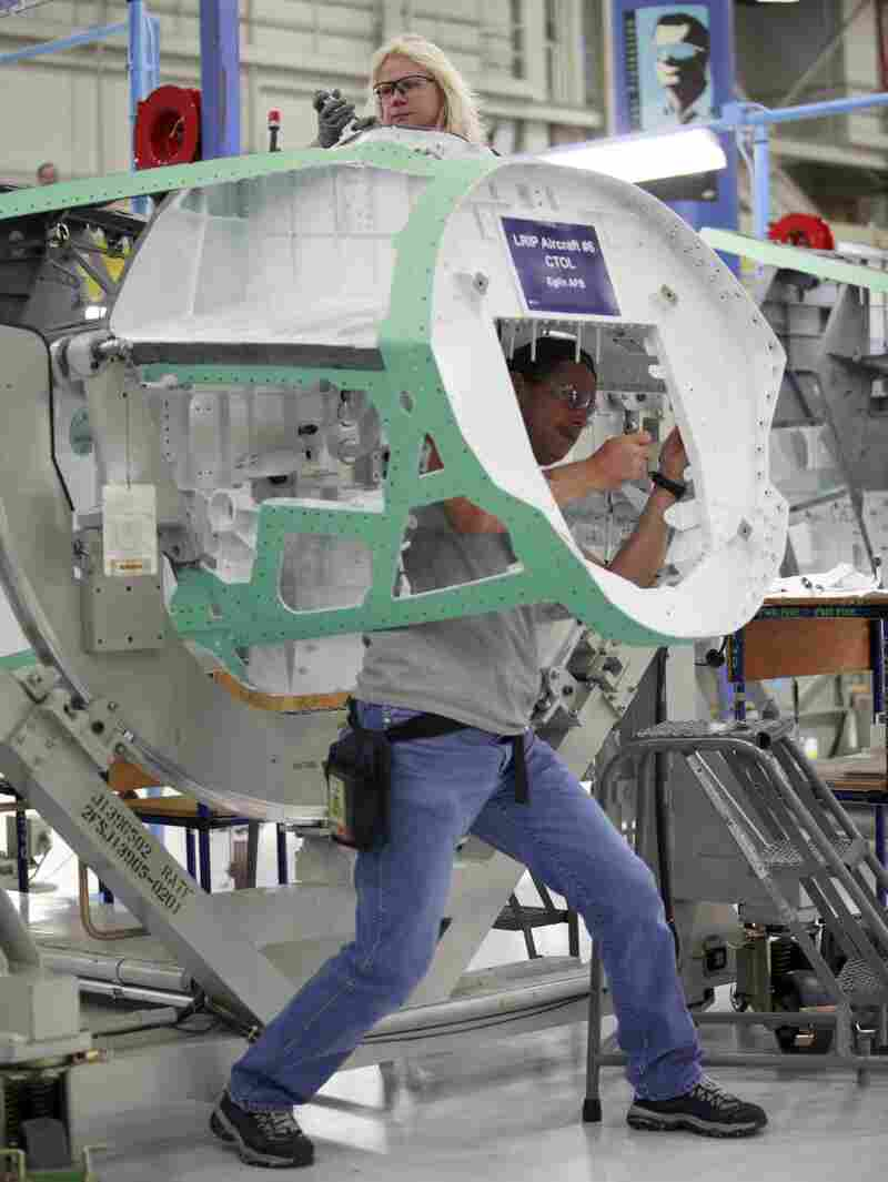 Defense contractor Lockheed Martin says it will be forced to send notices of possible layoffs to its entire workforce if proposed federal budget cuts go into effect.