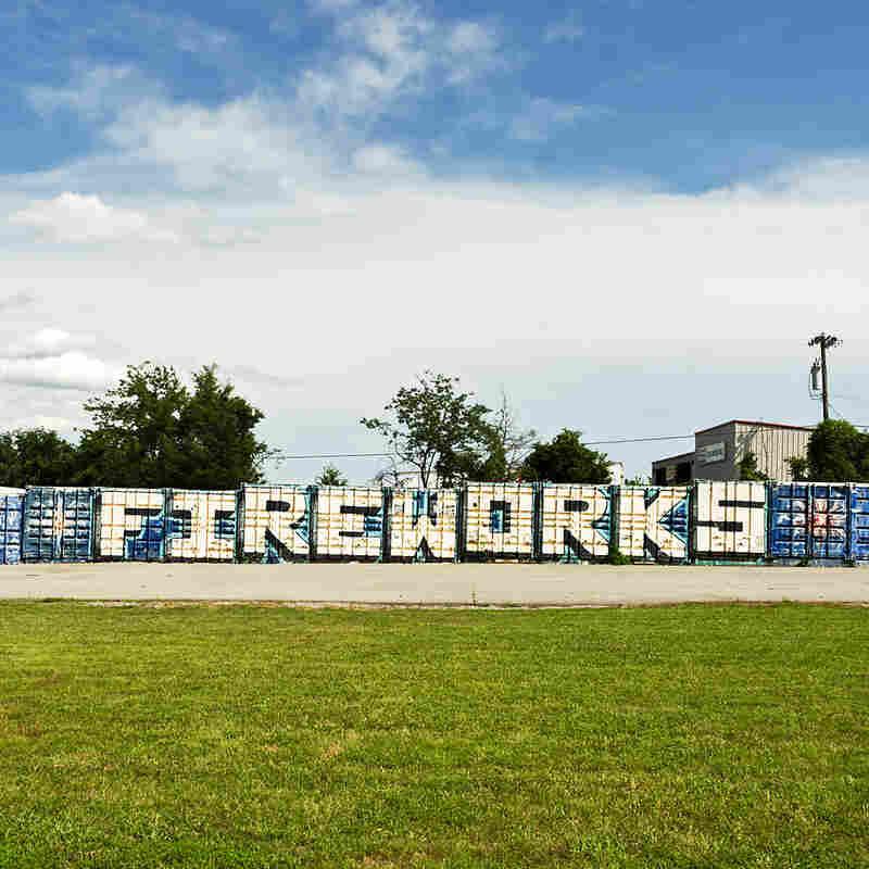 B&B Family Fireworks. La Verne, Tenn.