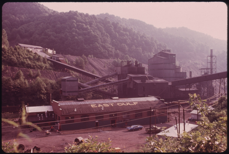 East Gulf, one of the largest mining companies in the area of Rhodell and Beckley, W.Va., in 1974. (US National Archives)