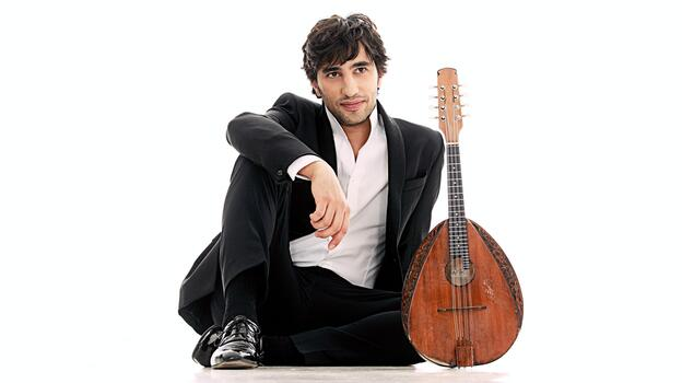 Mandolinist Avi Avital's new album Bach was released June 12. (Deutsche Grammophon)