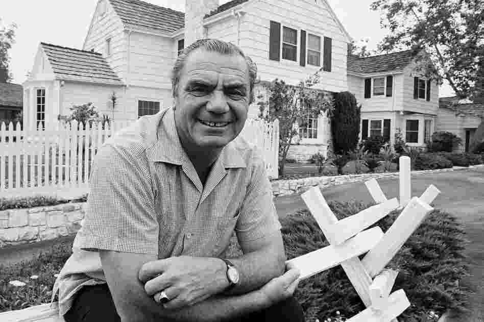 Ernest Borgnine outside his home in Hollywood, Calif., in 1969.