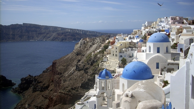 Many businesses in the town of Oia, on the northern tip of Santorini, are struggling to make ends meet following a drop in tourism. (AP)