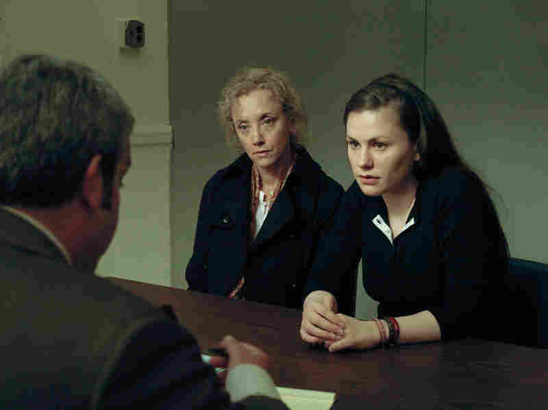 In Margaret, Lisa (Anna Paquin) distracts a bus driver, which leads to an accident in which a pedestrian is run over and dies.