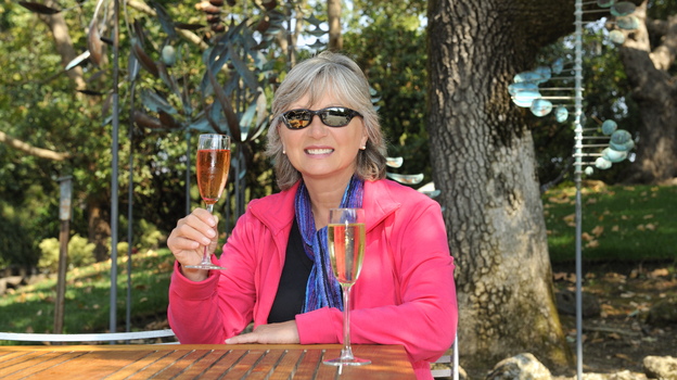 Cheers! Moderate drinking might slow age-related bone loss in women. (iStockphoto.com)