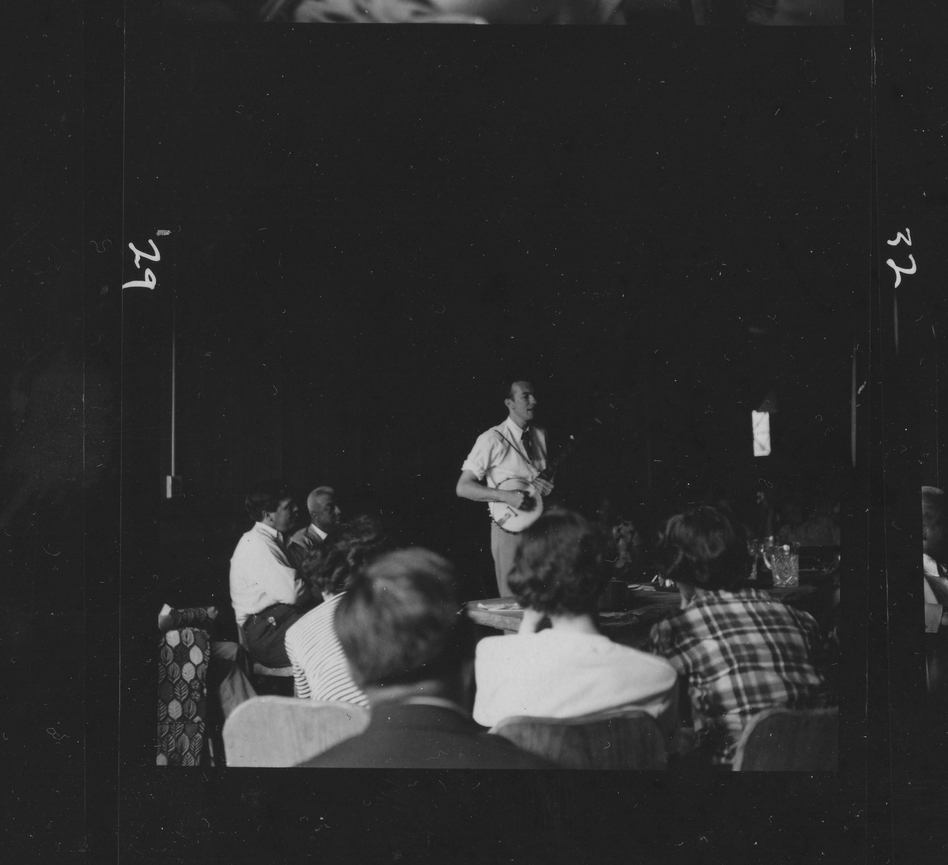 Pete Seeger (Music Inn/Barber Family)