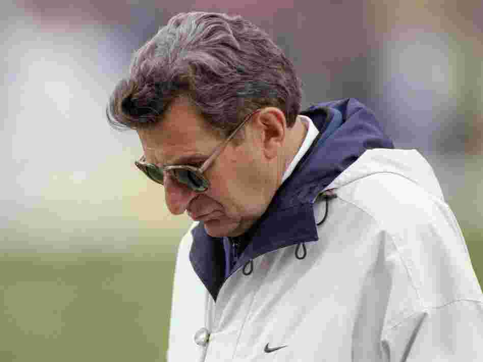 Penn State football coach Joe Paterno in 1997.