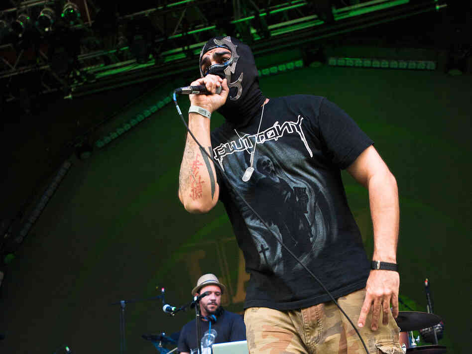 Psycho Realm added coarse but alluring rhymes.