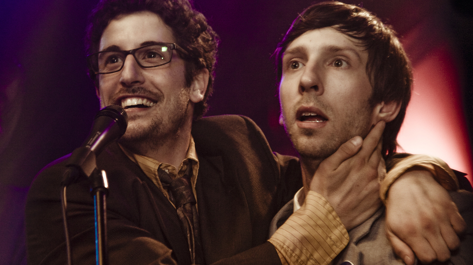 In Grassroots, Seattle music critic Grant Cogswell (Joel David Moore, right) runs for city council with the help of his campaign manager, unemployed journalist Phil Campbell (Jason Biggs). Cogswell and Campbell were real-life campaign partners in Seattle. (Samuel Goldwyn Films)