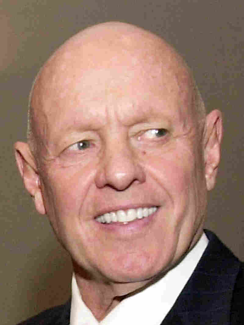 Stephen R. Covey, the motivational speaker best known for the book The Seven Habits of Highly Effective People, died Monday in Idaho three months after a serious bicycle accident in Utah. He was 79.
