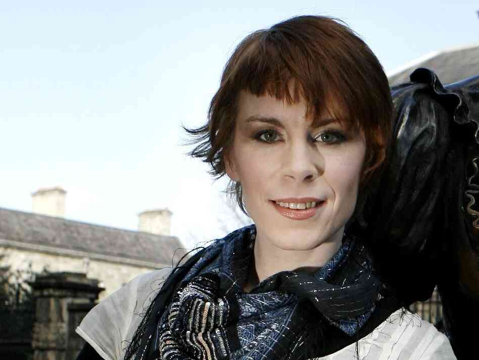 Tana French is the author of In the Woods.