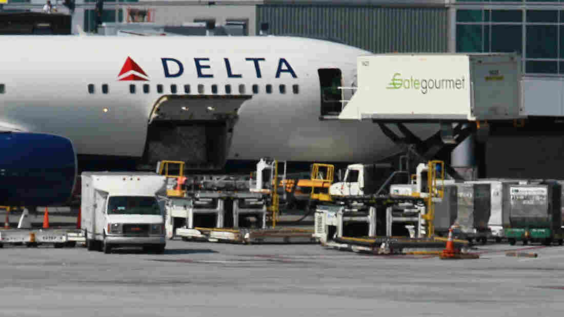 A Delta Air Lines jet being serviced last year by Gate Gourmet caterers in San Francisco.
